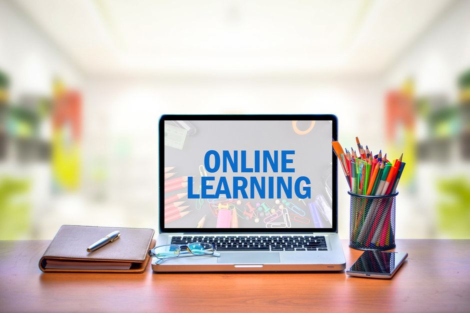 picture of computer advertising online courses